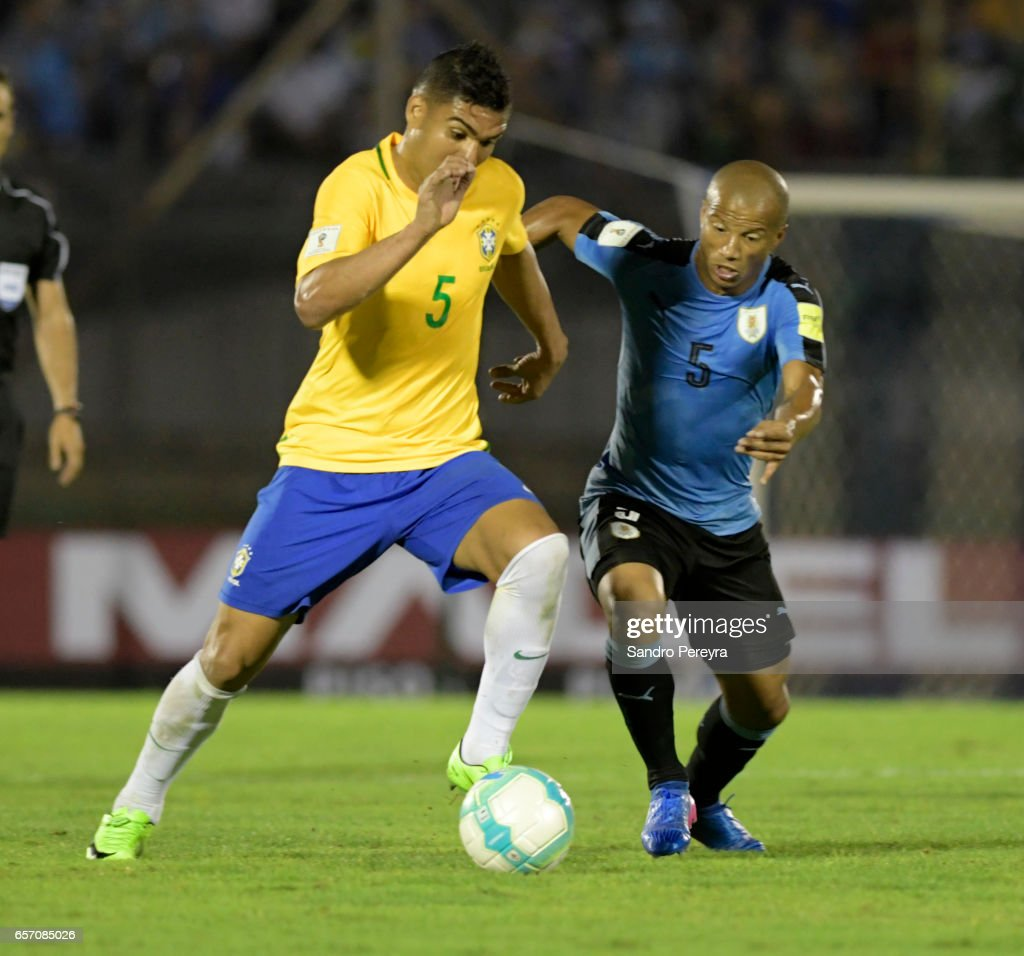 Uruguay v Brazil - FIFA 2018 World Cup Qualifiers : ニュース写真