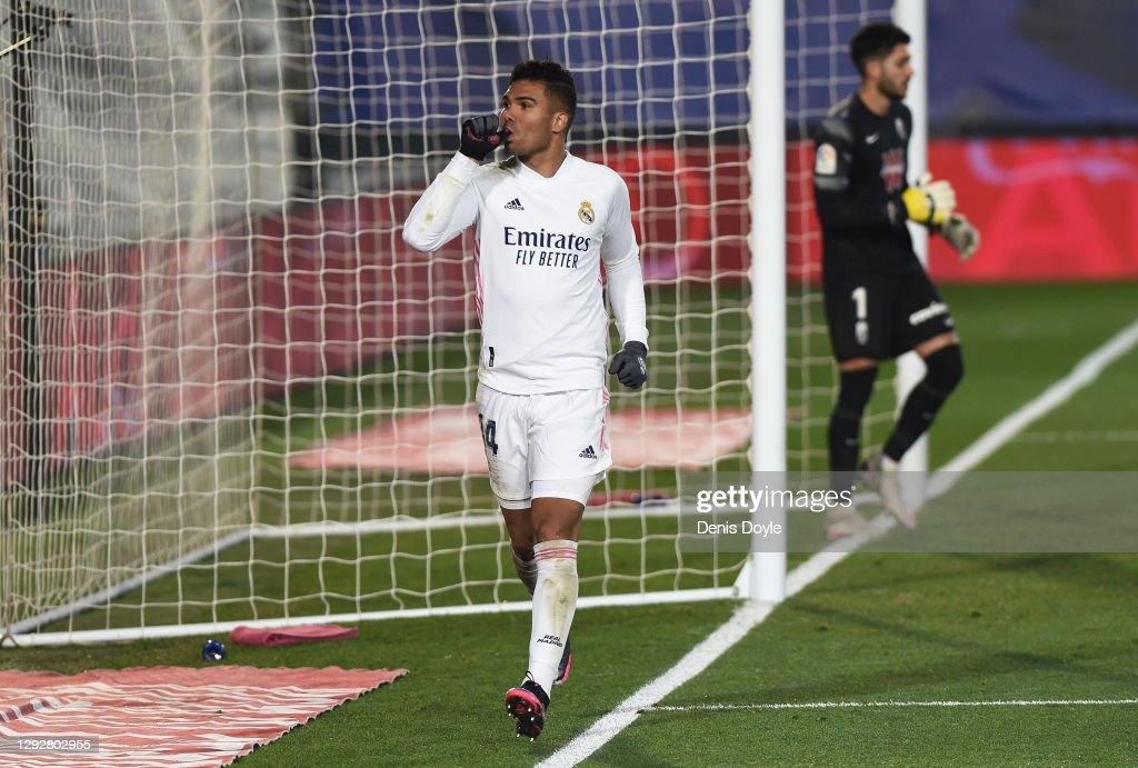 Real Madrid v Granada CF - La Liga Santander : News Photo