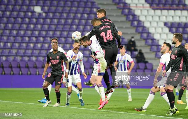 Casemiro of Real Madrid scores their side's first goal during the La Liga Santander match between Real Valladolid CF and Real Madrid at Estadio...