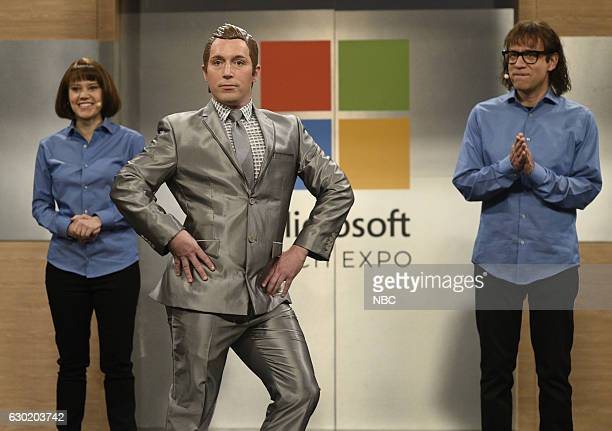 LIVE Casey Affleck Episode 1714 Pictured Kate McKinnon Beck Bennett and Fred Armisen during the Robot Presentation sketch on December 17 2016