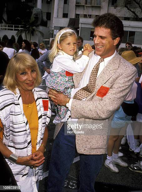 Casey Coates Alexis Danson and Ted Danson during 'Earthwalk Benefit' April 22 1990 at 20th Century Fox Studios in Los Angeles California United States