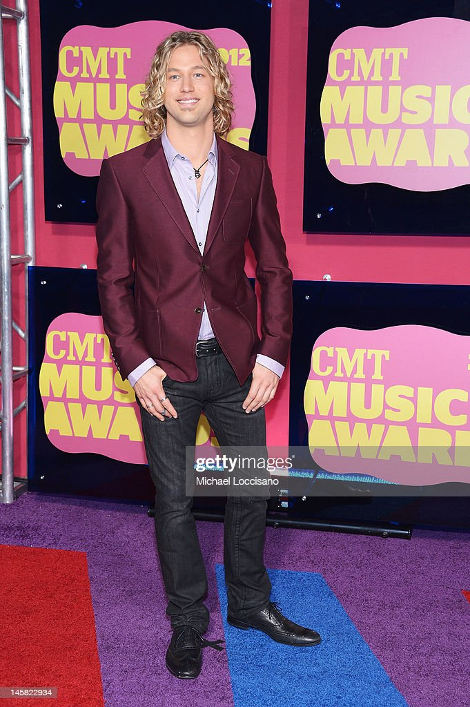 Casey James arrives at the 2012 CMT Music awards at the Bridgestone Arena on June 6, 2012 in Nashville, Tennessee.