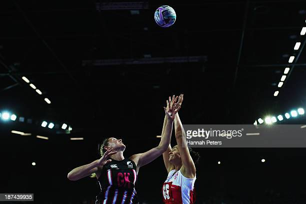 Casey Kopua of New Zealand competes with Rosalie Allison of England during the match between New Zealand and England on day two of the Fast5 Netball...