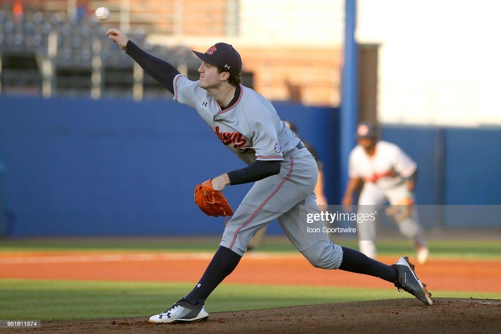 COLLEGE BASEBALL: APR 26 Auburn at Florida : News Photo
