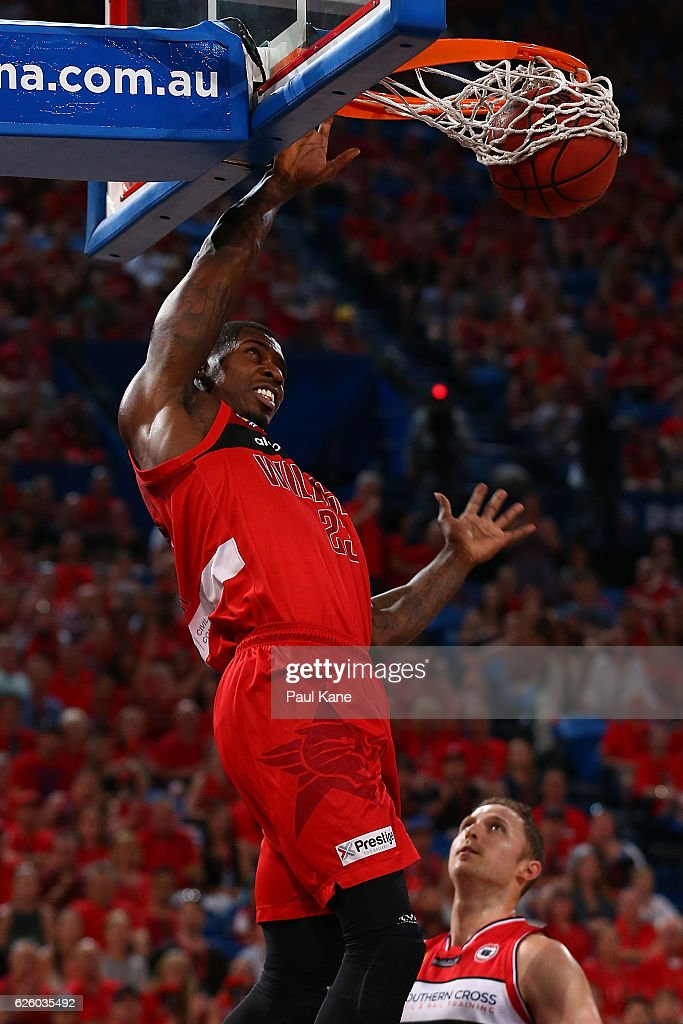 Casey Prather of the Wildcats dunks the ball during the round eight NBL match between the Perth Wildcats and the Illawarra Hawks at the Perth Arena on November 27, 2016 in Perth, Australia.