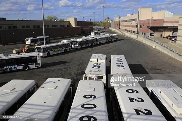 casey stengel bus depot - flushing queens new york stockfoto's en -beelden
