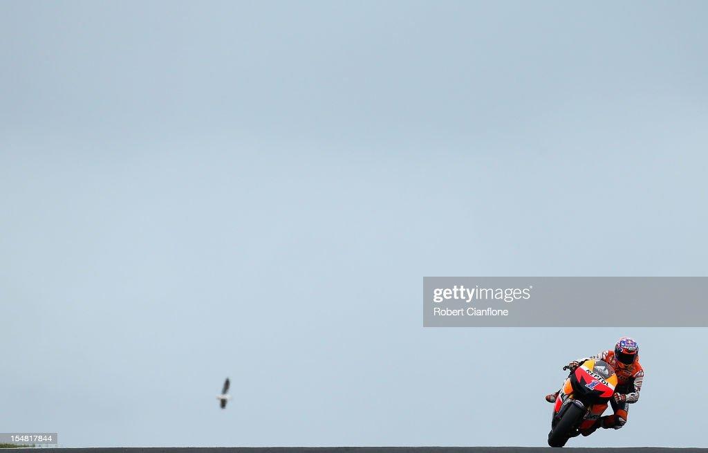 Casey Stoner of Australia rides the #1 Repsol Honda Team Honda during qualifying for the Australian MotoGP, which is round 17 of the MotoGP World Championship at Phillip Island Grand Prix Circuit on October 27, 2012 in Phillip Island, Australia.