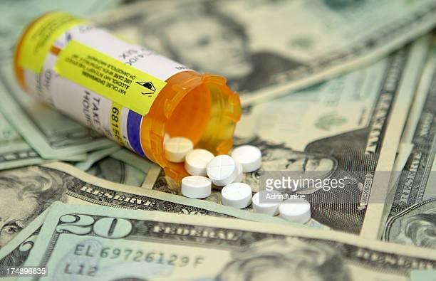 cash pills - beak stock pictures, royalty-free photos & images