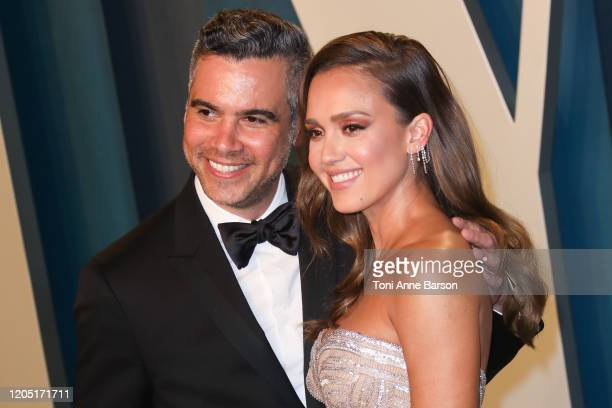 Cash Warren and Jessica Alba attend the 2020 Vanity Fair Oscar Party at Wallis Annenberg Center for the Performing Arts on February 09, 2020 in...
