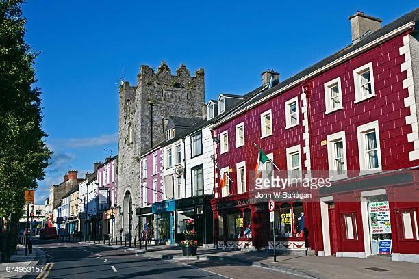 cashel in county tipperary, ireland - ティッペラリー州 ストックフォトと画像