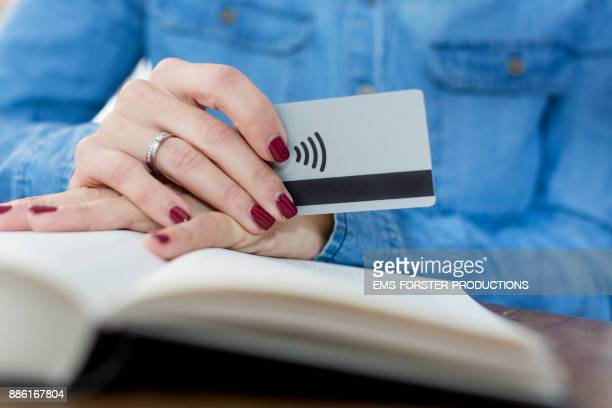 Cashless and contactless payment