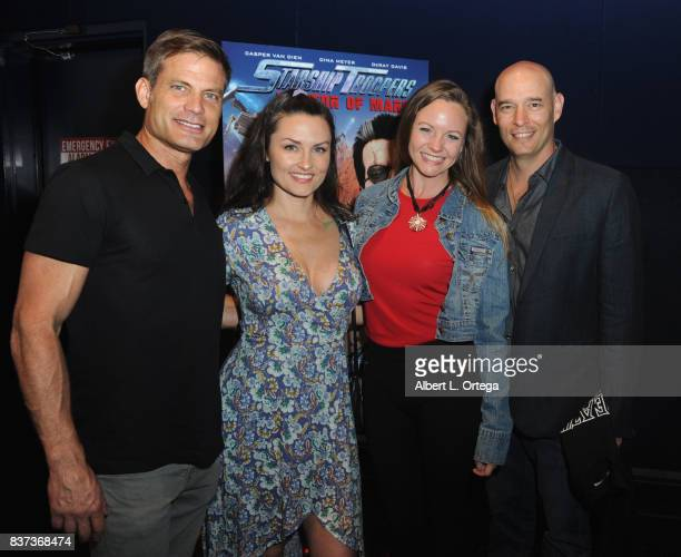 casper cast monster 2003 film casper van dien and jennifer wenger with guests at the starship troopers traitor of mars starship cast meet and greet stock photos
