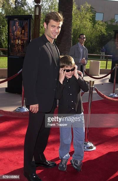 Casper Van Dien [ Family] ストックフォトと画像 | Getty Images