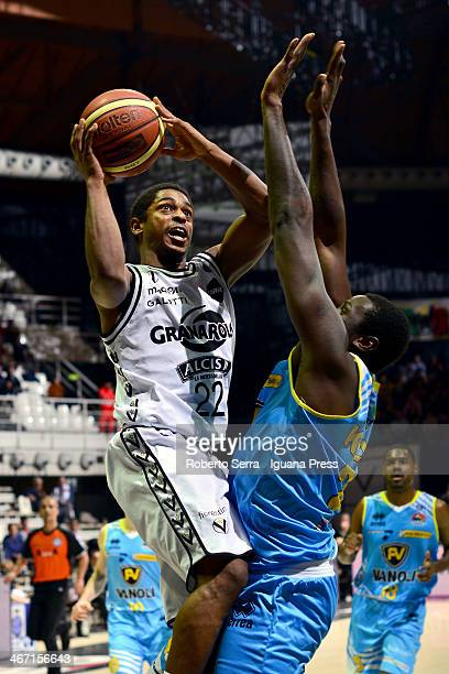 Casper Ware of Granarolo competes with Curtis Kelly of Vanoli during the LegaBasket Serie A1 match between Granarolo Bologna and Vanoli Cremona at...