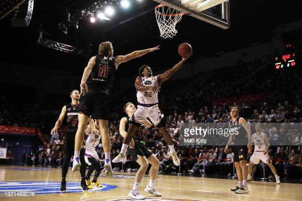 Casper Ware of the Kings drives to the basket during the round 21 NBL match between the Illawarra Hawks and the Sydney Kings at WIN Entertainment...