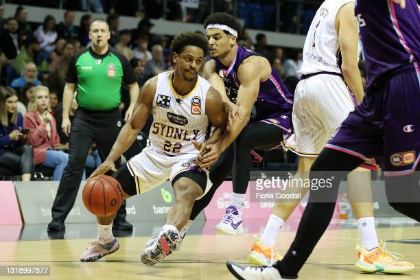 Casper Ware of the Sydney Kings look for support during the round 19 NBL match between the New Zealand Breakers and Sydney Kings at Trusts Stadium on...