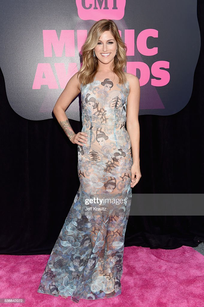 2016 CMT Music Awards - Red Carpet