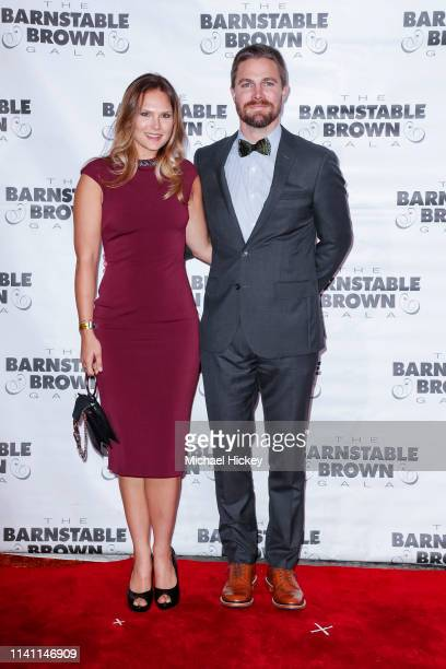Cassandra Jean and Stephen Amell is seen at the Barnstable Brown Gala on May 3, 2019 in Louisville, Kentucky.