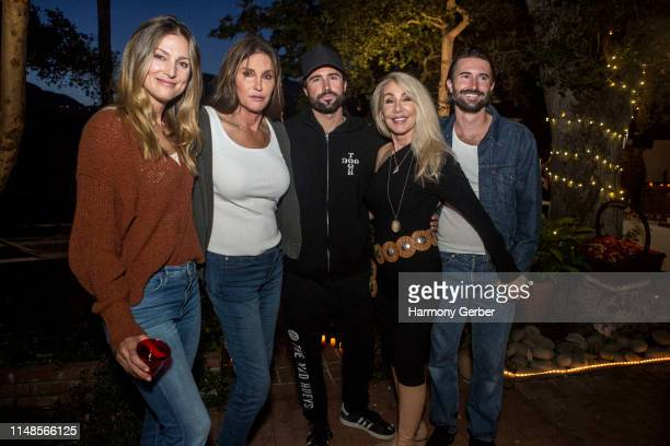 Cassandra Marino Caitlyn Jenner Brody Jenner Linda Thompson and Brandon Jenner pose for a portrait at Brandon Jenner's Interactive Party Live Show...