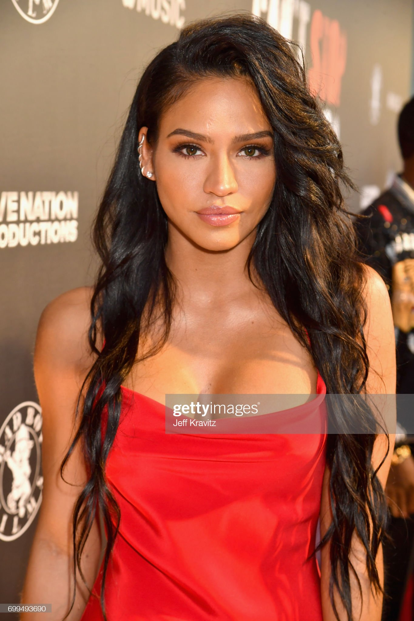 Top 80 Famosas Foroalturas - Página 2 Cassie-ventura-attends-the-los-angeles-premiere-of-apple-musics-cant-picture-id699493690?s=2048x2048