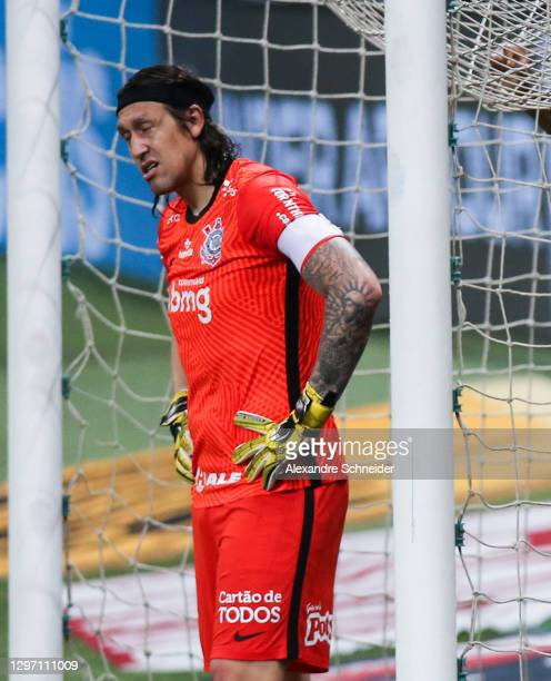 Cassio of Corinthians reacts during the match against Palmeiras as part of Brasileirao Series A 2020 at Allianz Parque on January 18, 2021 in Sao...