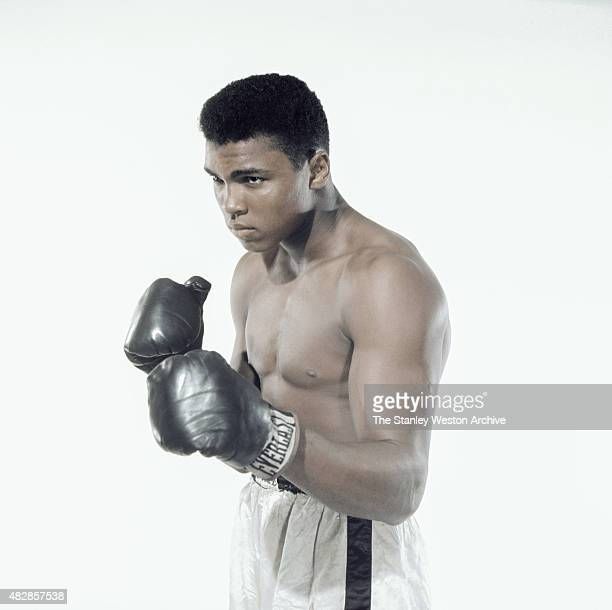 Cassius Clay 20 year old heavyweight contender from Louisville Kentucky poses for the camera on May 17 1962 in Bronx New York EDITORIAL ONLY – No...