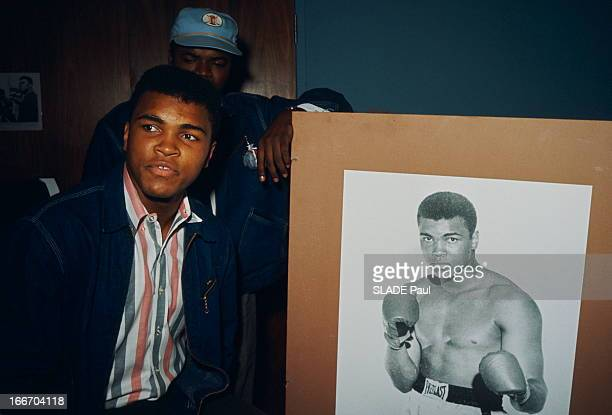 Cassius Clay Prepares His Match Against Sonny Liston In Miami Miami 22 février 1964 Cassius CLAY 22 ans prépare son combat contre le champion du...