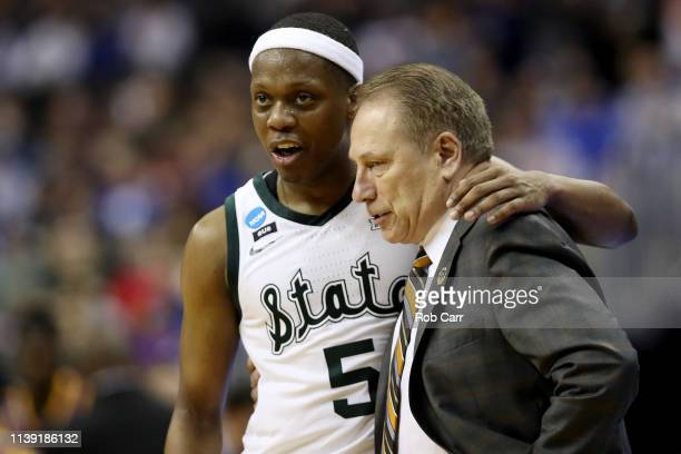 Cassius Winston and head coach Tom Izzo of the Michigan State Spartans talk against the LSU Tigers during the second half in the East Regional game...