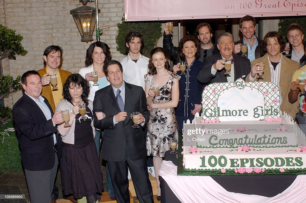 """Gilmore Girls"" 100th Episode Celebration : News Photo"