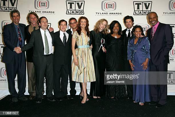 Greys Anatomy Cast Photos et images de collection | Getty ...