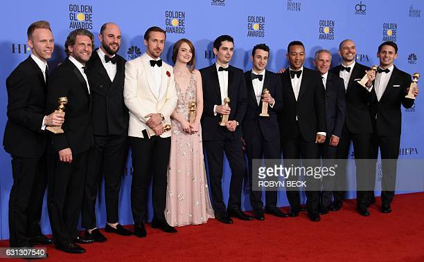 """Cast and crew of """"La La Land,"""" winner of Best Motion Picture - Musical or Comedy, including Ryan Gosling , Emma Stone , director Damien Chazelle and..."""