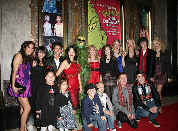 cast and guests attend the los angeles premiere of dr seuss how the - Cast Of How The Grinch Stole Christmas