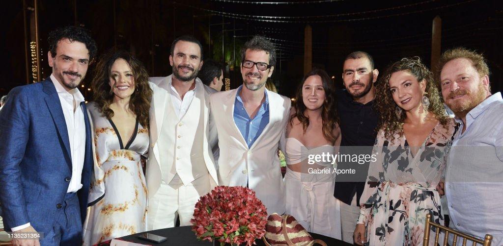 Cast and producers of Netflix series Distrito Salvaje pose