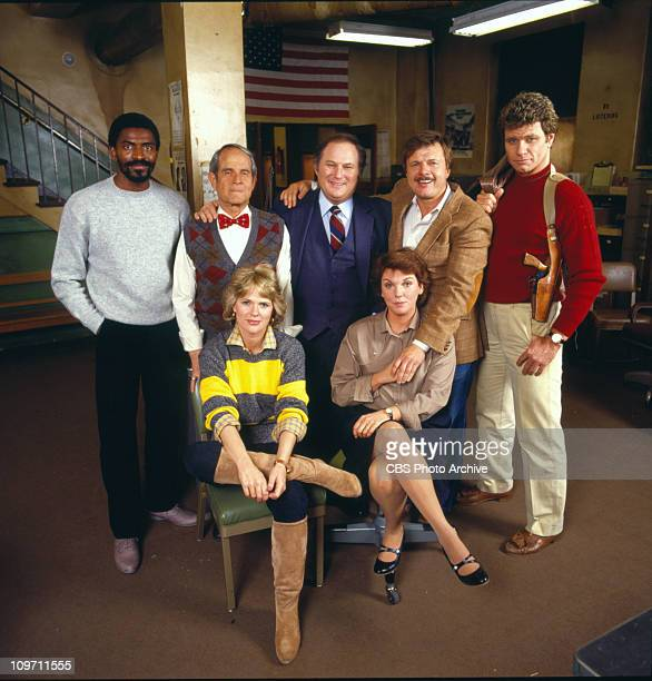 CAGNEY LACEY cast Carl Lumbly Sidney Clute Al Waxman John Karlen and Martin Kove Sharon Gless and Tyne Daly Image dated 1984