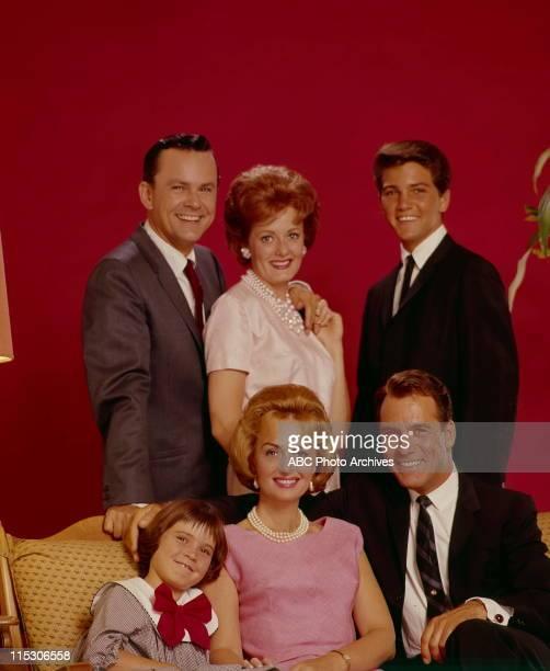 July 30 1963 FOREGROUND PATTY PETERSENDONNA REEDCARL BETZ BACKGROUND BOB