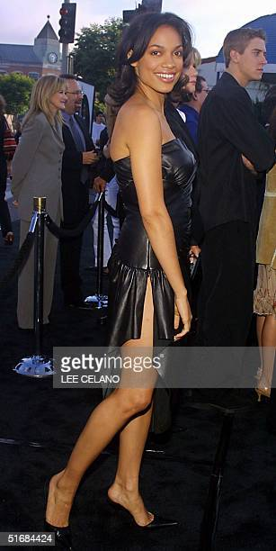 Cast member Rosario Dawson arrives for the premiere of Men in Black II 26 June 2002 in the Westwood area of Los Angeles AFP PHOTO/Lee Celano