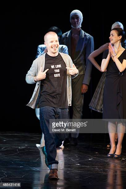 Cast member Stephen Wight bows at the curtain call during the press night performance of McQueen at the Theatre Royal Haymarket on August 27 2015 in...