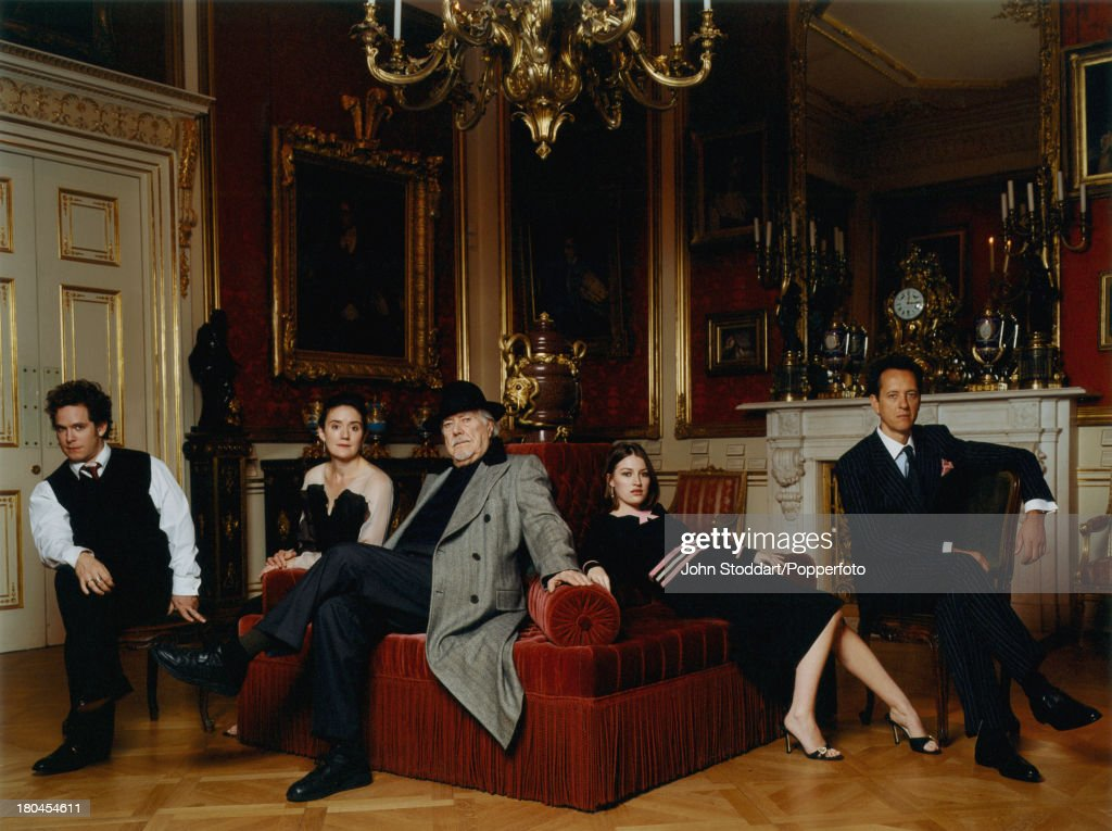 Cast Members And Director Of The Film Gosford Park Circa 2001
