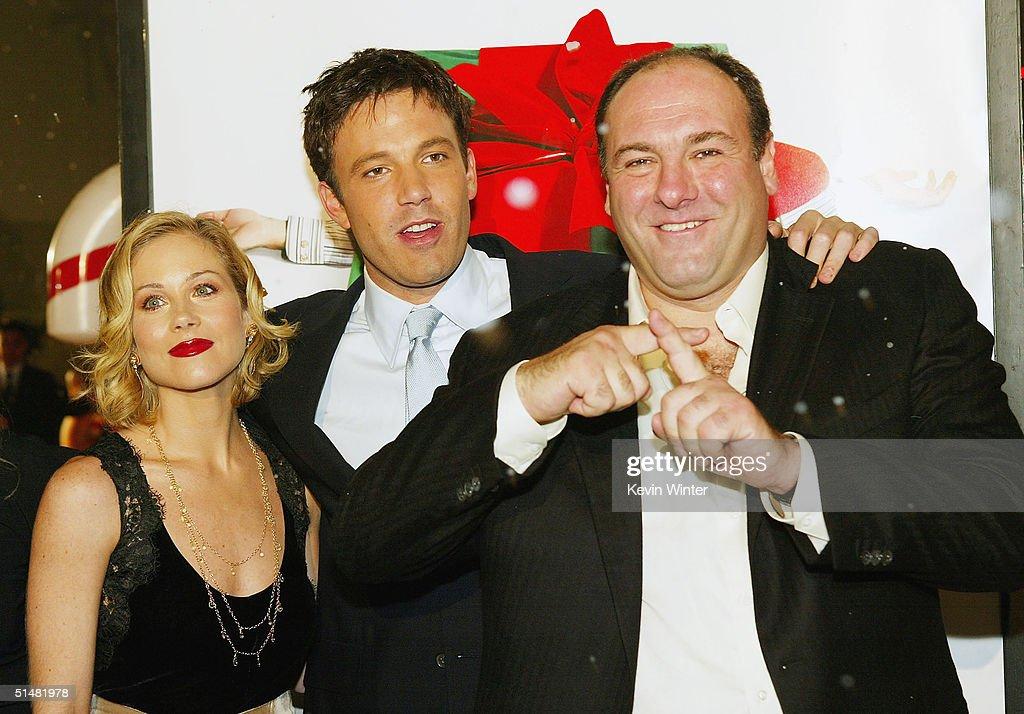 Surviving Christmas Cast.Cast Members Christina Applegate Ben Affleck And James