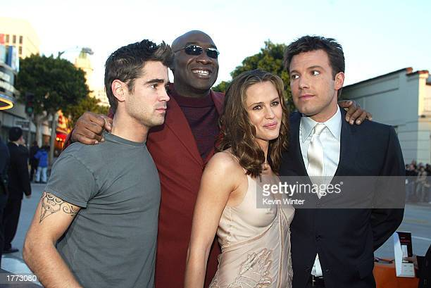 Cast members Colin Farrell Michael Clarke Duncan Jennifer Garner and Ben Affleck pose for photos at the premiere of 'Daredevil' at the Village...