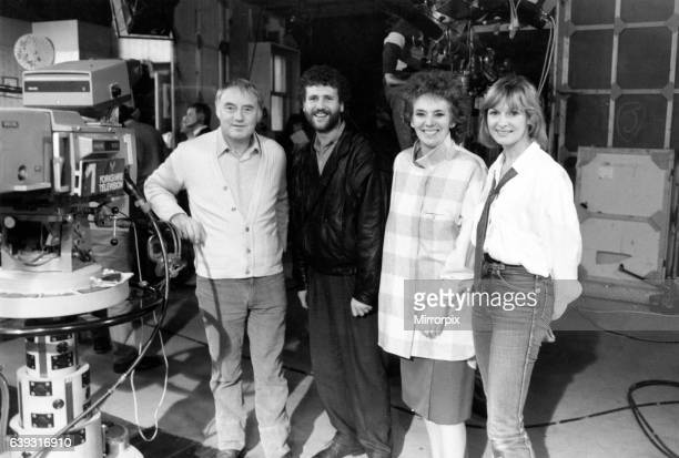 Cast members from Brookside on the set of Yorkshire Television where Emmerdale Farm is made Left to right Frederick Pyne Brian Regan Sue Johnston and...