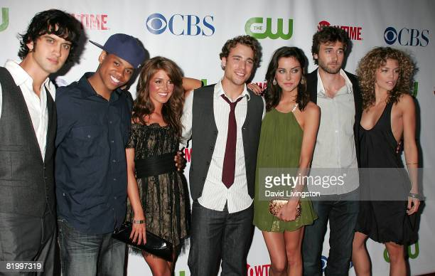 90210 cast members Michael Steger Tristan Wilds Shenae Grimes Dustin Milligan Jessica Stroup Ryan Eggold and AnnaLynne McCord attend the...