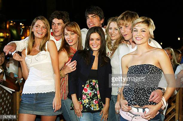 Cast members Mischa Barton Adam Brody Melinda Clarke Peter Gallagher Rachel Bilson Kelly Rowan Benjamin McKenzie and Samaire Armstrong pose at a...