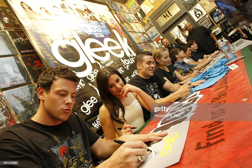 Fox presents the glee mall tour denver photos and images getty cast members of fox tvs show glee attend a meet and greet m4hsunfo Images