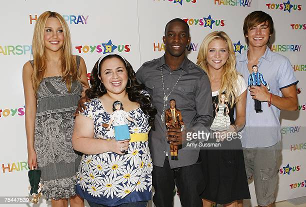 Cast members of Hairspray Amanda Bynes Nikki Blonsky Elijah Kelley Brittany Snow and Zac Efron introduce new line of Hairspray dolls at Toys R Us at...