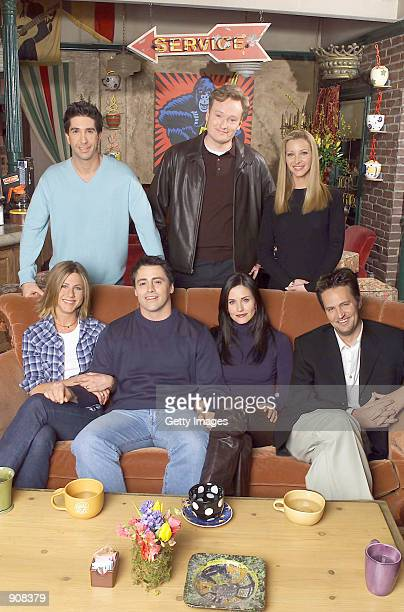 Cast members of NBC's comedy series Friends Pictured Jennifer Aniston Matt LeBlanc Courteney Cox and Matthew Perry David Schwimmer Lisa Kudrow talk...