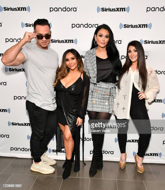 """Cast members of reality television series """"Jersey Shore"""" Mike """"The Situation"""" Sorrentino, Nicole """"Snooki"""" Polizzi, Jenni """"JWoww"""" Farley and Deena..."""