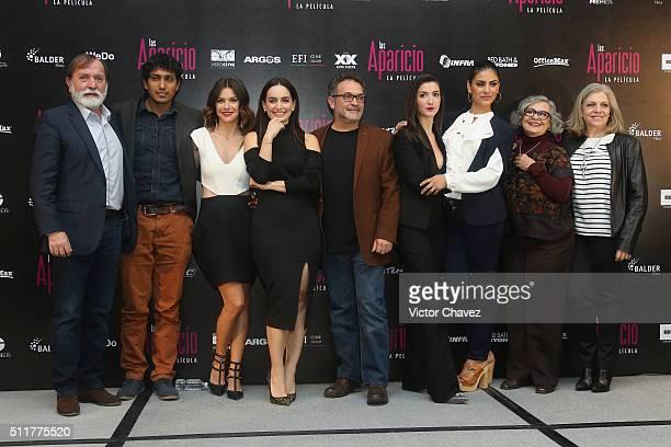 Cast members of the film 'Las Aparicio' producer Epigmenio Ibarra actor Tenoch Huerta actresses Iliana Fox Ana de la Reguera film director Moises...