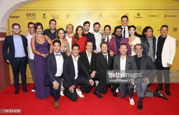 Cast members of the film Liz Gallardo Sofia Sisniega Osvaldo Benavides Mauricio Barrientos Fernando Rovzar Mauricio Isaac Ximena Romo Gerardo...