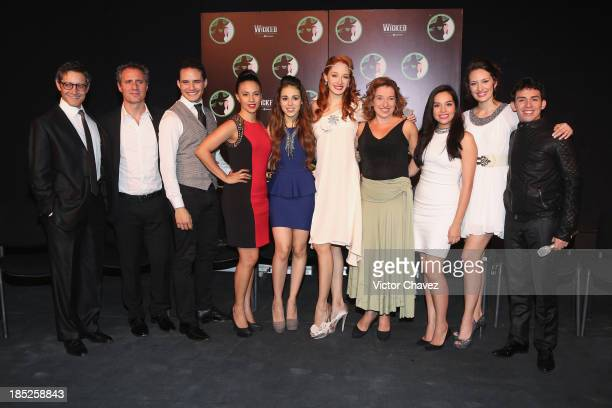 Cast members of the theater play Wicked Beto Torres Paco Morales Jorge Lau Ana Cecilia Anzaldúa Danna Paola Cecilia De La Cueva Anahi Allue Marisol...